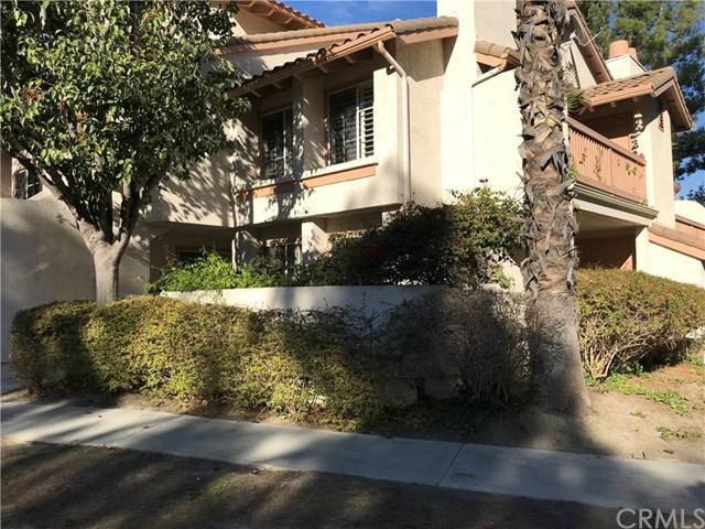 26541 Merienda #3, Laguna Hills, CA 92656 (#OC17239184) :: Fred Sed Realty