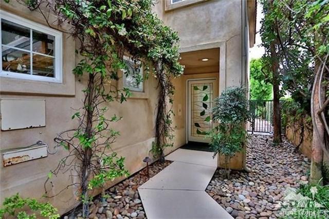 372 E 15th Street, Costa Mesa, CA 92627 (#OC17239447) :: DiGonzini Real Estate Group