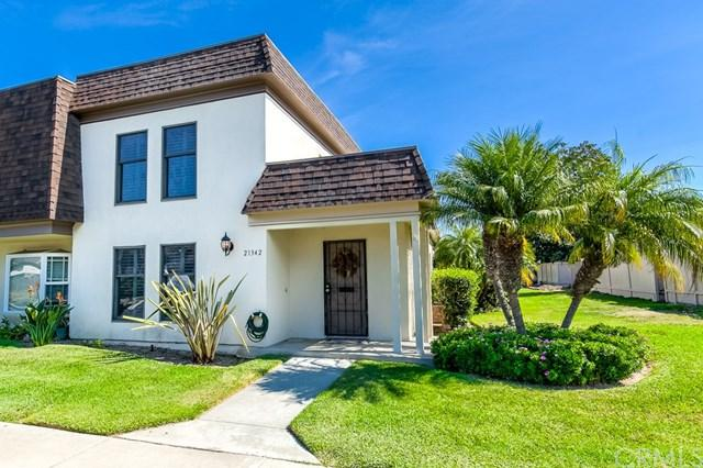 21342 Greenspray Lane, Huntington Beach, CA 92646 (#OC17239496) :: DiGonzini Real Estate Group