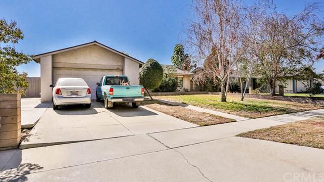 684 Pearl Street, Upland, CA 91786 (#CV17239709) :: Mainstreet Realtors®