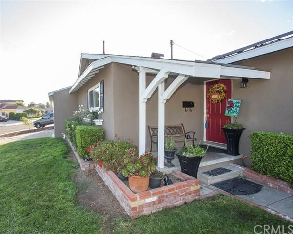 10942 Archway Drive, Whittier, CA 90604 (#PW17224045) :: Carrington Real Estate Services