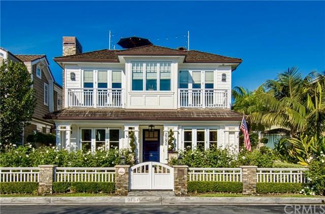 2751 Bayshore Drive, Newport Beach, CA 92663 (#NP17240040) :: DiGonzini Real Estate Group