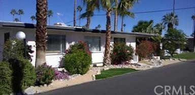 144 Caravan Street #144, Palm Springs, CA 92264 (#PW17240070) :: Carrington Real Estate Services