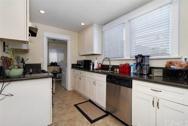 704 S Joy Street, Corona, CA 92879 (#IV17240209) :: Carrington Real Estate Services