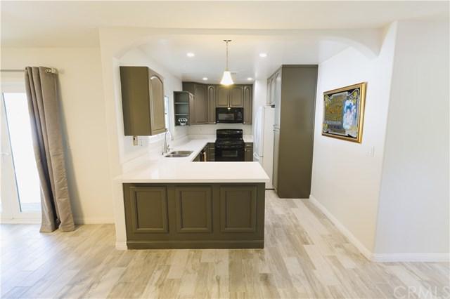 1732 Coplen Circle, Corona, CA 92882 (#OC17240190) :: Carrington Real Estate Services