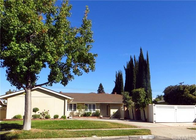 1147 E Chestnut Avenue, Orange, CA 92867 (#OC17240333) :: Ardent Real Estate Group, Inc.