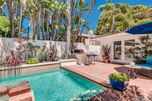 439 Fullerton Avenue, Newport Beach, CA 92663 (#OC17240374) :: DiGonzini Real Estate Group