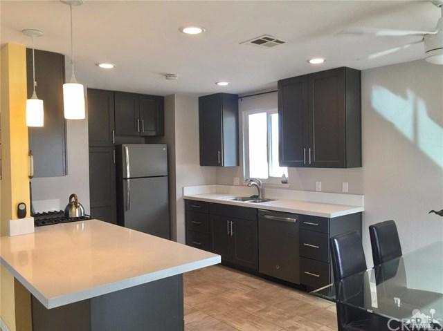 1880 Whitewater Club Drive, Palm Springs, CA 92262 (#217028238DA) :: Carrington Real Estate Services