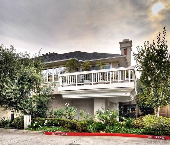 2463 Irvine Avenue E1, Costa Mesa, CA 92627 (#OC17240423) :: RE/MAX Masters