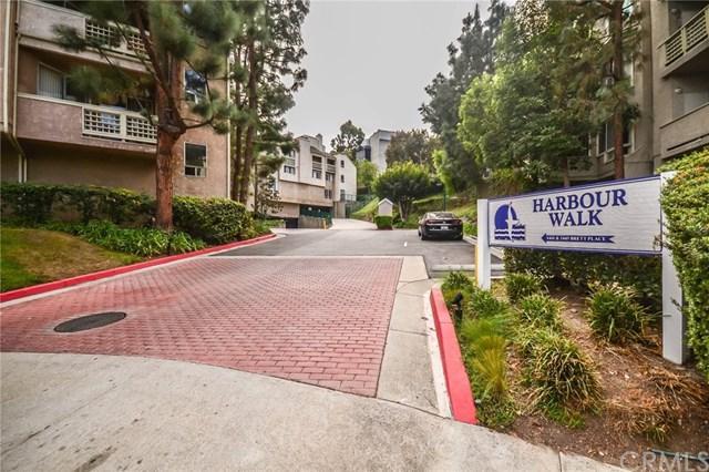 1441 Brett Place #330, San Pedro, CA 90732 (#PV17240465) :: Kato Group