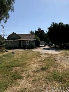 5325 Silver Drive, Santa Ana, CA 92703 (#SW17240048) :: Teles Properties | A Douglas Elliman Real Estate Company