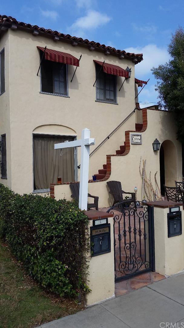 233-1/2 Granada Avenue, Long Beach, CA 90803 (#PW17240531) :: Kato Group