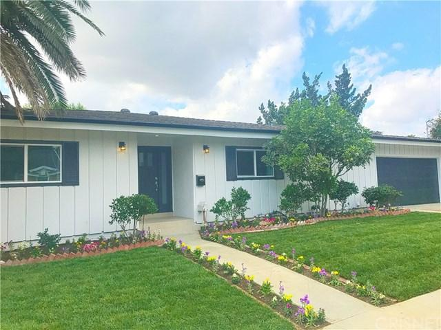 5801 Mammoth Avenue, Valley Glen, CA 91401 (#SR17240866) :: Prime Partners Realty