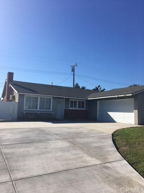 1381 Alta Avenue, Upland, CA 91786 (#CV17240981) :: Mainstreet Realtors®