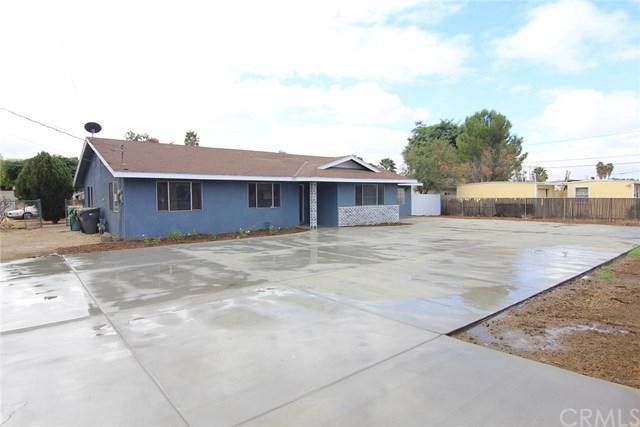 40525 Johnston Avenue, Hemet, CA 92544 (#OC17241055) :: Allison James Estates and Homes