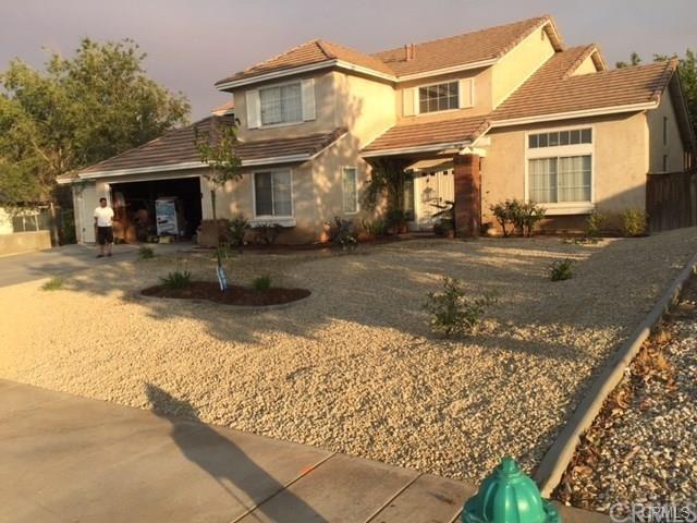 14731 Choke Cherry Drive, Victorville, CA 92392 (#PW17241167) :: Allison James Estates and Homes