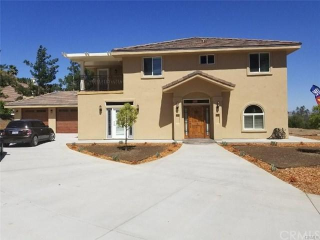 14840 Amorose Street, Lake Elsinore, CA 92530 (#PW17241271) :: Kristi Roberts Group, Inc.