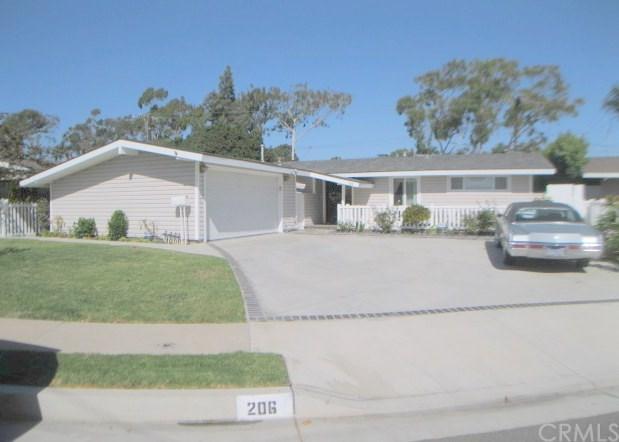206 Hanover Drive, Costa Mesa, CA 92626 (#NP17241357) :: Mainstreet Realtors®