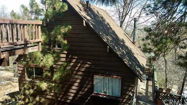 27954 Matterhorn Drive, Lake Arrowhead, CA 92352 (#IV17241394) :: Angelique Koster