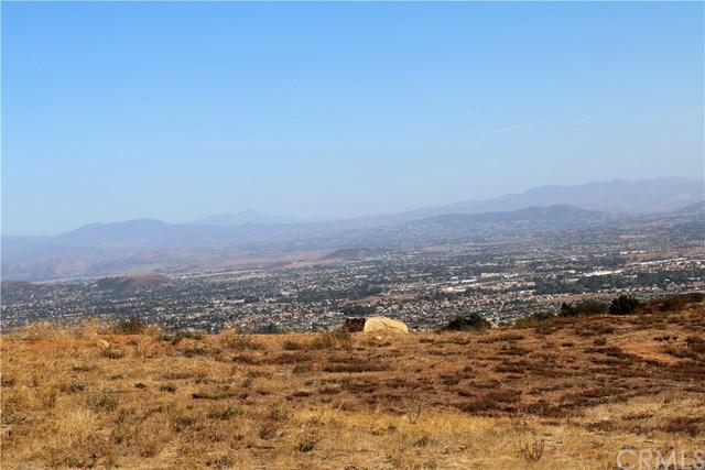 38060 Via Vista Grande, Murrieta, CA 92562 (#SW17241612) :: Kristi Roberts Group, Inc.