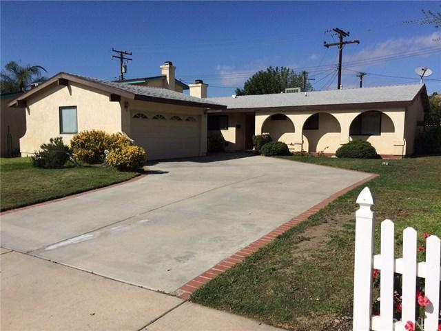 20021 Delight Street, Canyon Country, CA 91351 (#SR17241649) :: The Brad Korb Real Estate Group