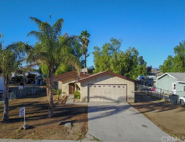 540 Water Avenue, Perris, CA 92571 (#OC17240637) :: Kristi Roberts Group, Inc.