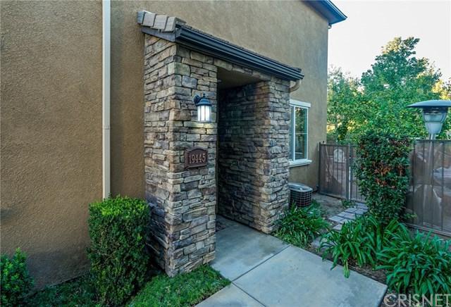 19445 Opal Lane, Saugus, CA 91350 (#SR17241796) :: The Brad Korb Real Estate Group