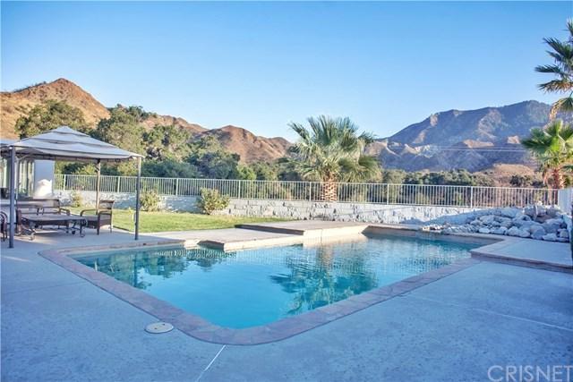 15701 Beaver Run Road, Canyon Country, CA 91387 (#SR17241925) :: The Brad Korb Real Estate Group