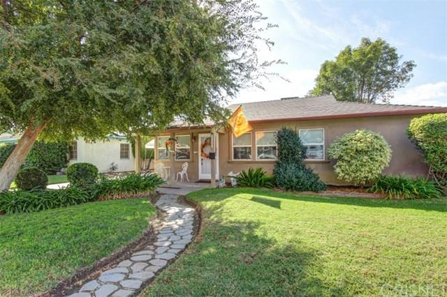 17556 Lanark Street, Northridge, CA 91325 (#SR17242047) :: The Brad Korb Real Estate Group