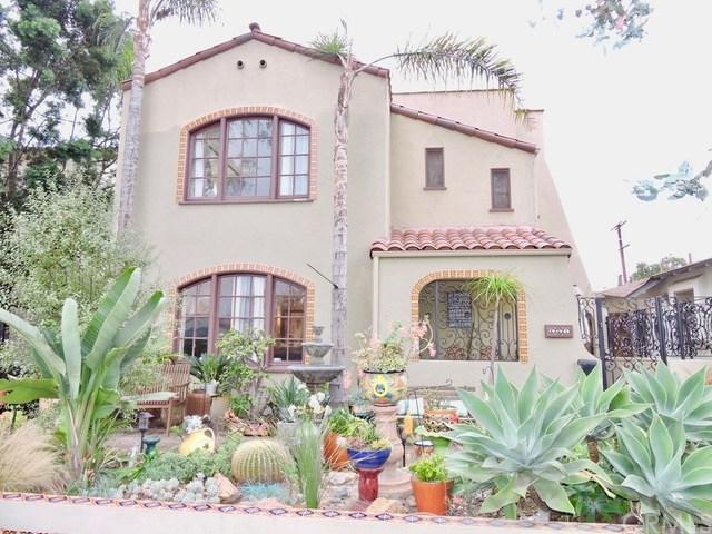 661 Roycroft Avenue, Long Beach, CA 90814 (#PW17256938) :: Kato Group