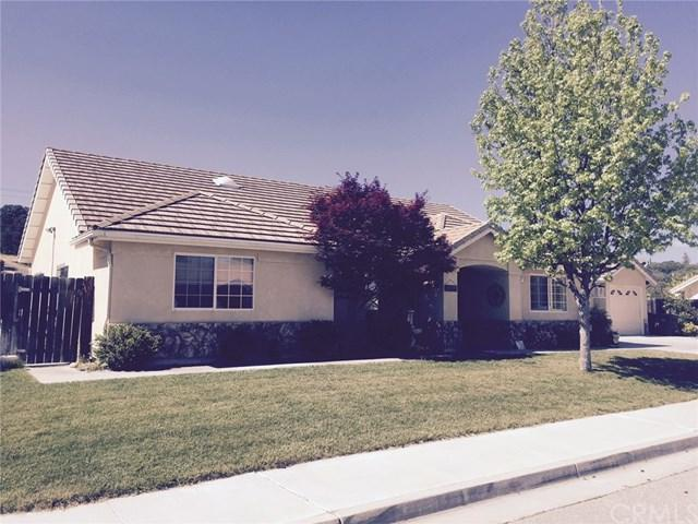804 St. Andrews Circle, Paso Robles, CA 93446 (#SP17258834) :: Nest Central Coast