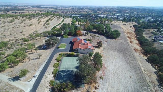 84 Tierra Vista Road, Paso Robles, CA 93446 (#NS17259128) :: Nest Central Coast