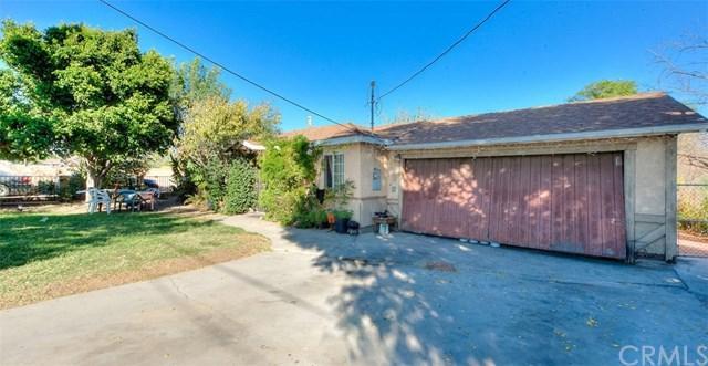 6141 Linden Avenue, Rialto, CA 92377 (#SW17259386) :: Mainstreet Realtors®