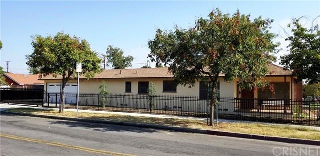 1723 2nd Street, San Fernando, CA 91340 (#SR17259871) :: Fred Sed Realty