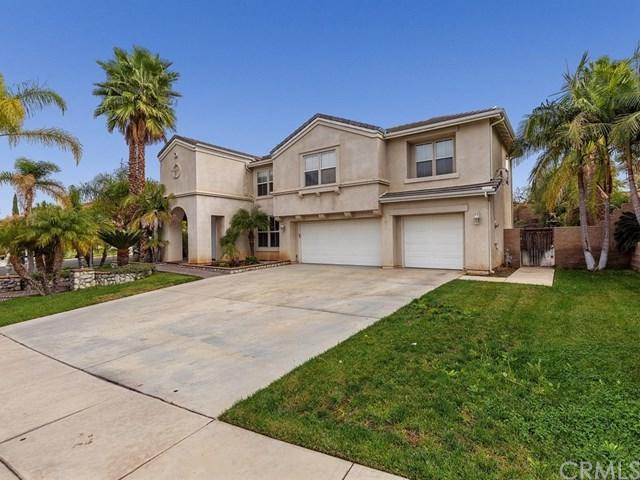 3125 Forest Oaks Drive, Corona, CA 92881 (#OC17260109) :: Provident Real Estate