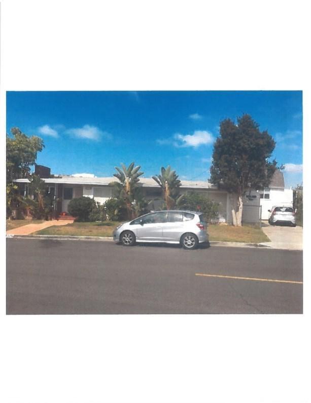 325 Holmwood Drive, Newport Beach, CA 92663 (#OC17260241) :: Mainstreet Realtors®