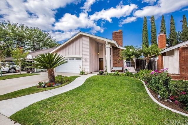 5923 E Calle Cedro, Anaheim Hills, CA 92807 (#PW17260373) :: The Darryl and JJ Jones Team