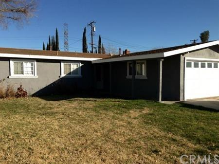 8235 Emmett Avenue, Rancho Cucamonga, CA 91739 (#CV17260588) :: Mainstreet Realtors®