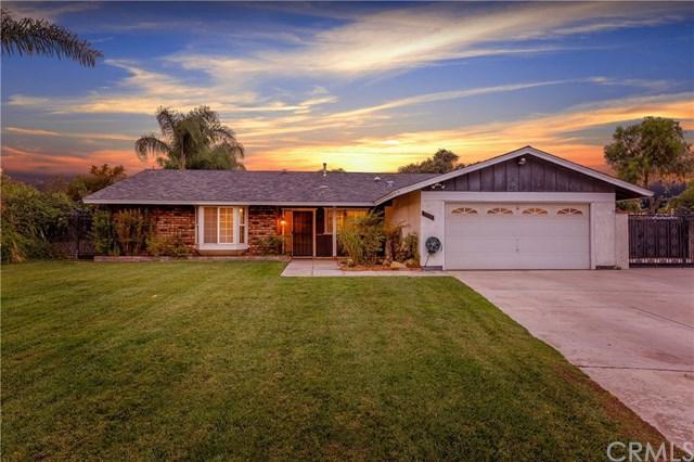 11525 Arguello Drive, Jurupa Valley, CA 91752 (#PW17260728) :: Allison James Estates and Homes