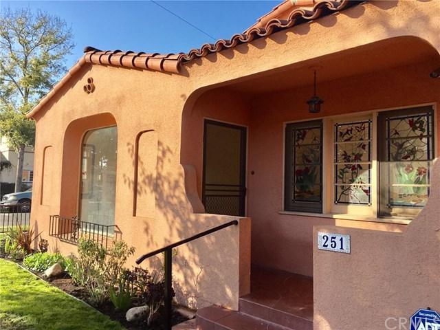 251 Loma Avenue, Long Beach, CA 90803 (#PW17260956) :: Kato Group