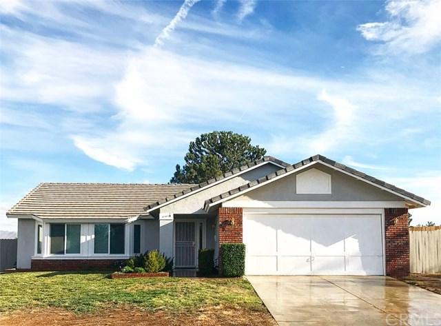 6855 Loma Vista Ave, Hesperia, CA 92345 (#EV17260979) :: Mainstreet Realtors®