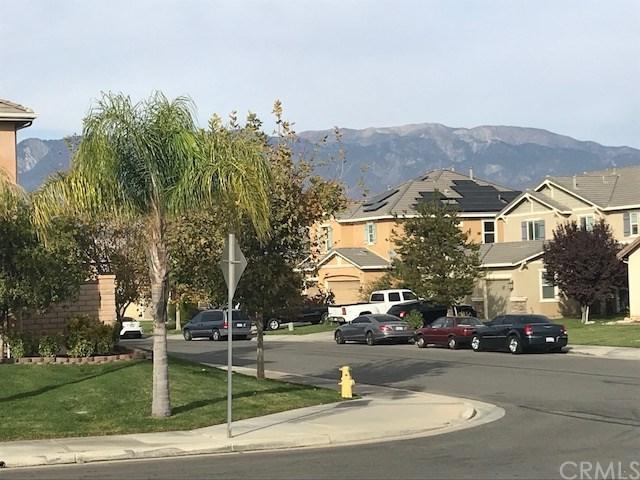1449 Underhill Court, Beaumont, CA 92223 (#EV17261072) :: Realty Vault
