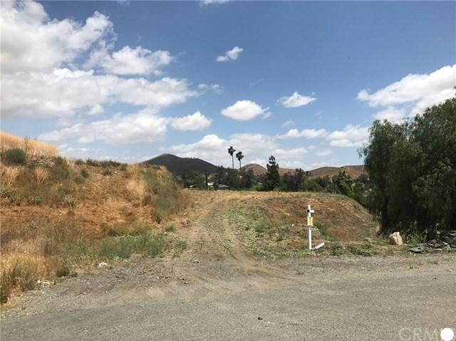 28450 Nevada Drive, Canyon Lake, CA 92587 (#PW17261435) :: Impact Real Estate