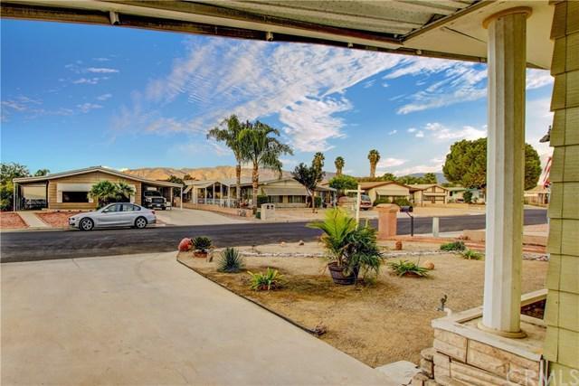 819 Wahl Street, Hemet, CA 92543 (#IG17255372) :: Impact Real Estate