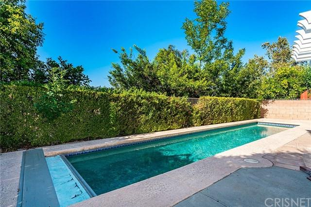 7329 Woodvale Court, West Hills, CA 91307 (#SR17261432) :: The Marelly Group | Realty One Group