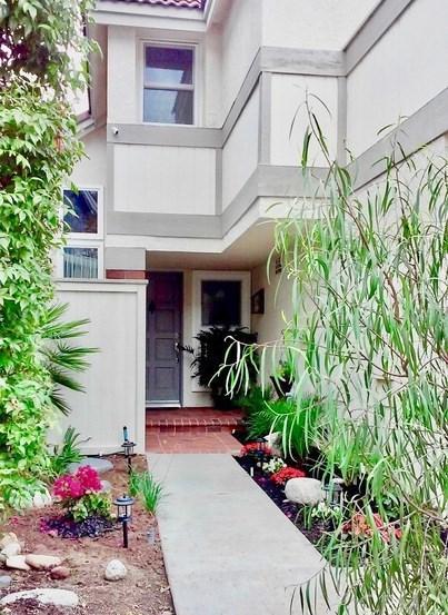 55 La Costa Ct, Laguna Beach, CA 92651 (#LG17261562) :: Doherty Real Estate Group
