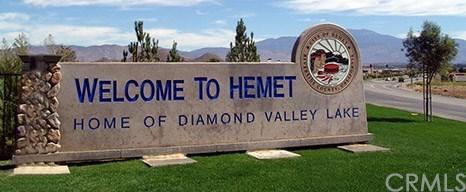 2105 El Toro Circle, Hemet, CA 92545 (#PW17261873) :: Impact Real Estate
