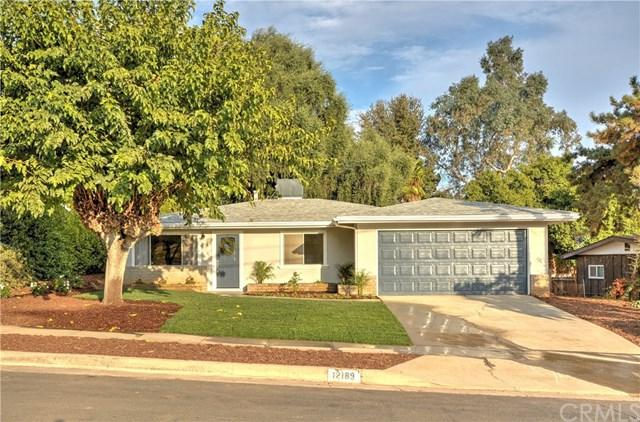 12189 17th Street, Yucaipa, CA 92399 (#IV17261907) :: Angelique Koster