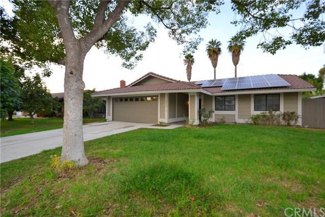12029 Dressage Lane, Riverside, CA 92503 (#IG17258052) :: Carrington Real Estate Services