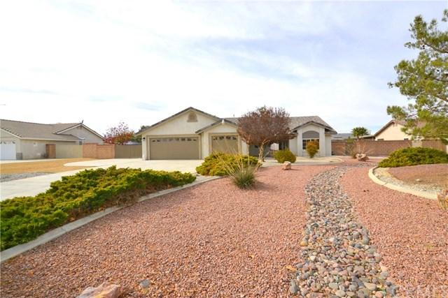 13764 Ivanpah Road, Apple Valley, CA 92307 (#IG17261964) :: Carrington Real Estate Services